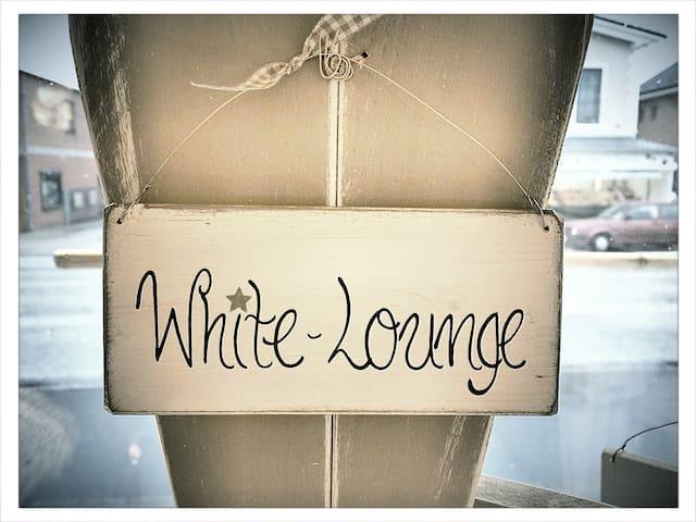 Die White-Lounge vor den Toren HH's - Quickborn