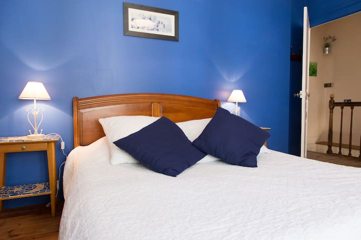 Chambre double avec SB privative - Monts - Bed & Breakfast