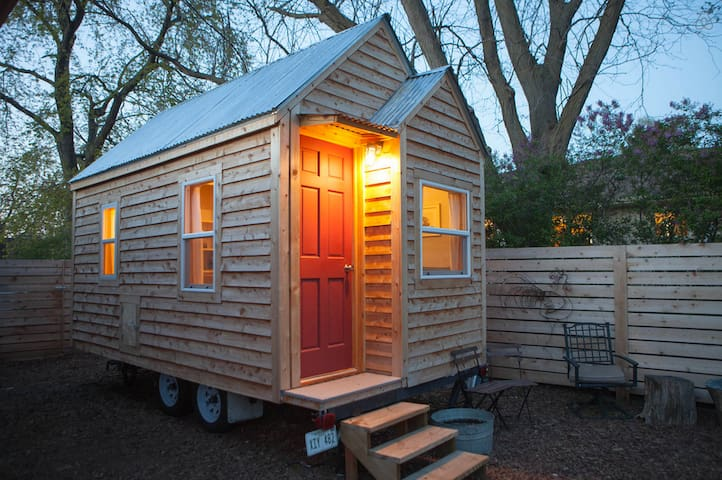 Chic Tiny House in Omaha Nebraska - Gretna - Cabaña