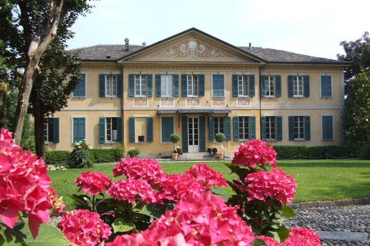 Villa Buttafava - suite Oro - Cassano Magnago - Inap sarapan