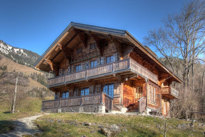 Beautiful Traditional Chalet - Rossinière