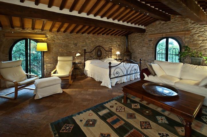 SUITE PIETRAIA - Calci - Bed & Breakfast