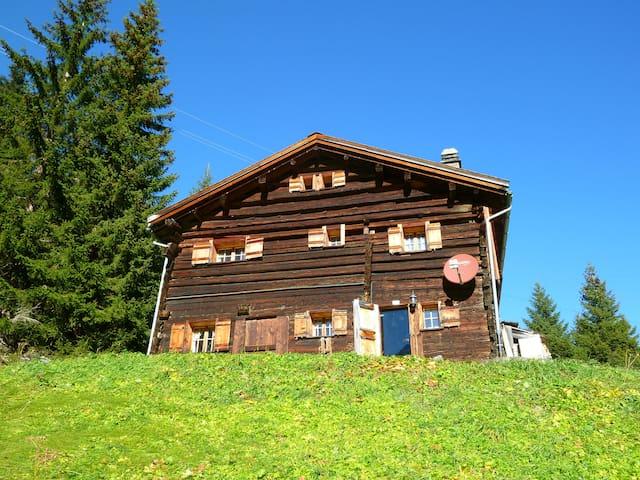 Echtes Maiensäss/Chalet auf 1700m - Riom-Parsonz - Hytte (i sveitsisk stil)