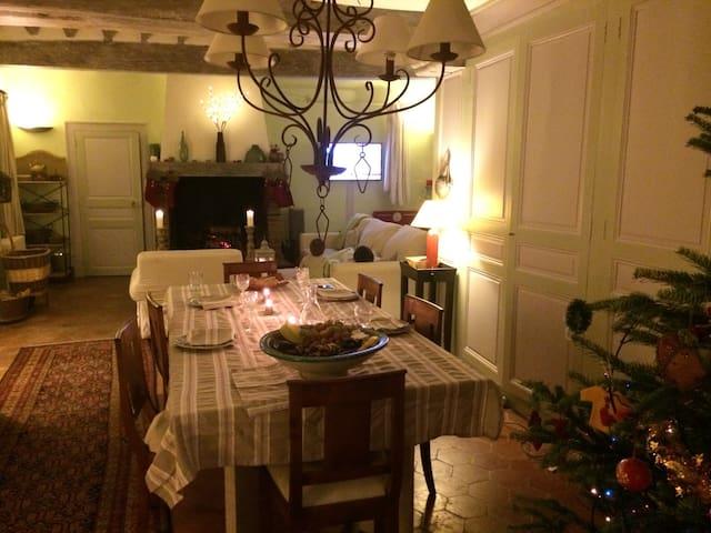 Delightful luxury farm-house - Coltainville - Casa