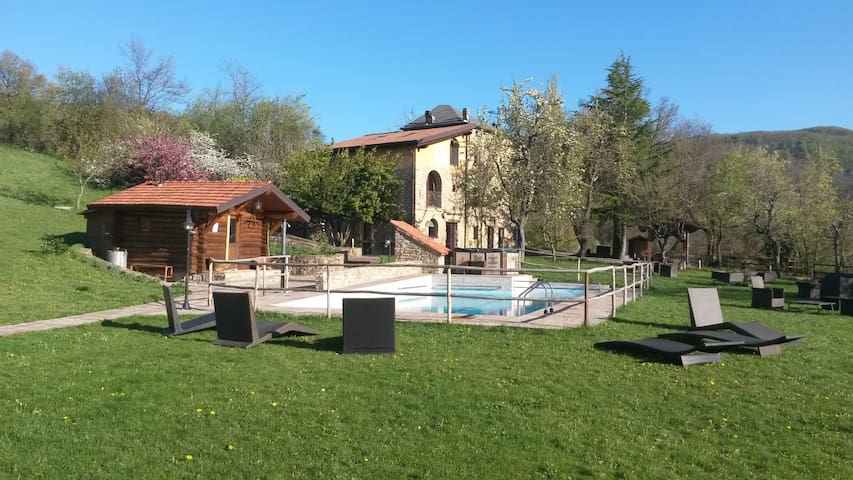 Apartm. old stone house 2+2 persons - San Benedetto Val di Sambro