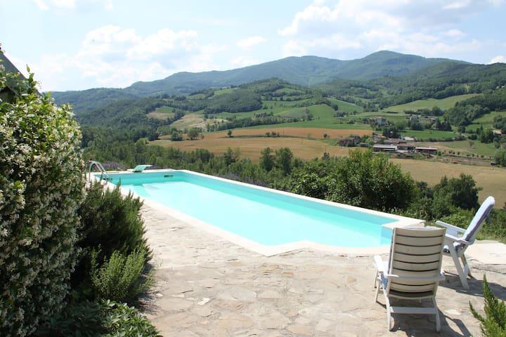 appartamento in collina con piscina - Zavattarello - Daire