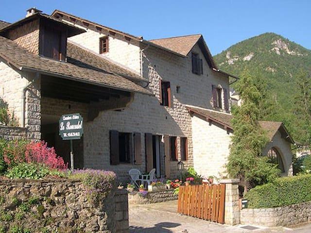 LE ROUCADEL - Peyreleau