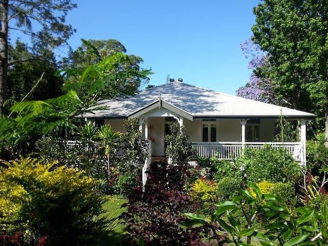 White Cedar Apartment - Bangalow - Leilighet
