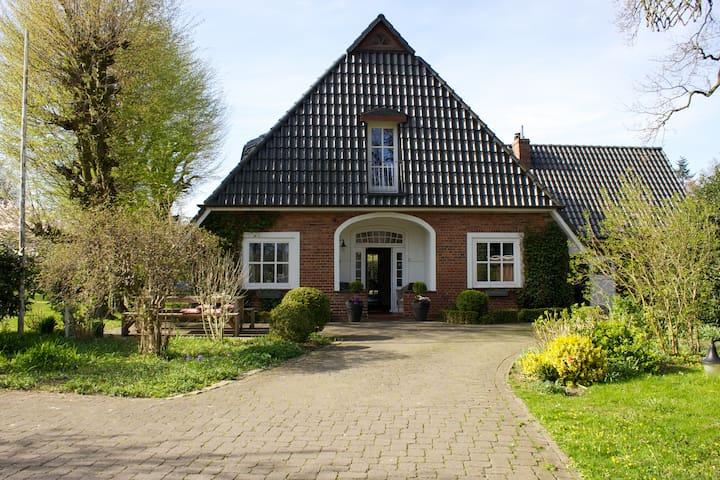Großes Haus im Grünen bei Bremen - Ritterhude - Dom