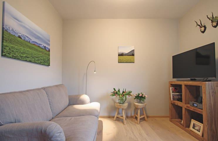 Schicke Ferienwohnung am Kurpark, neu renoviert! - Bad Tölz - Leilighet