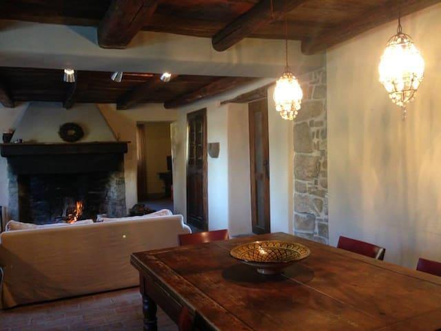 CHARMING VILLA  ON TUSCANY BORDER - Lizzano In Belvedere - Hus