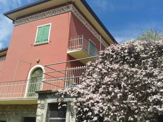 Appartamento in Villa Neo Classica - Parzanica - Lejlighed