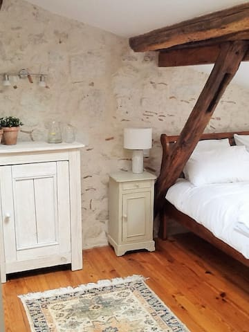 A beautiful, comfortable bedroom. - Lectoure - Casa