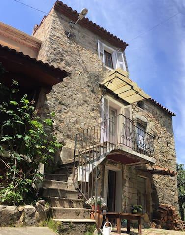 Traditional Corsican stonehouse - Peri - Ev