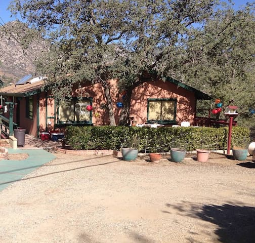 Spacious and private. Amazing views - Kernville - Dom