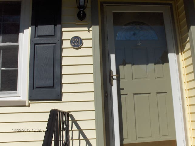 A Nice Clean Place - Mi Casa Su Casa I (One) - Franklin Township - Hus