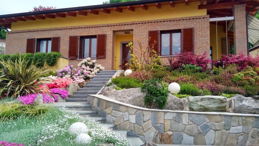 Villa in Brianza e il lago di Como. - Monticello Brianza