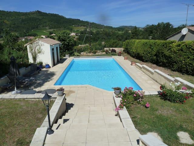 B&B swim, with fantastic views - Antugnac - Bed & Breakfast