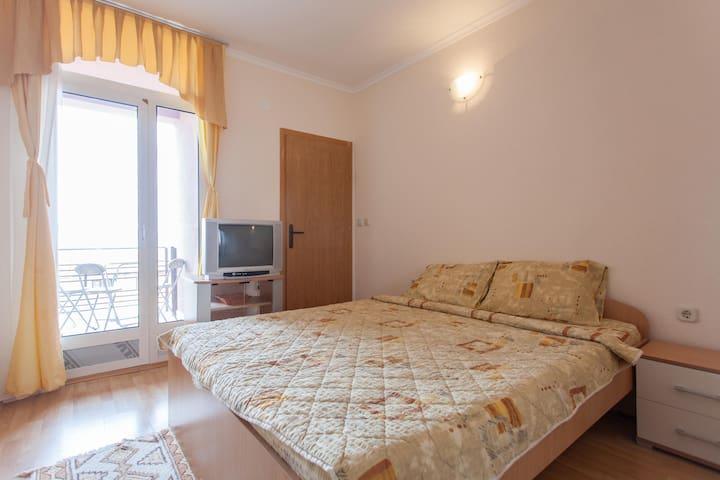 Villa Majda - triple room - Peshtani - Maison