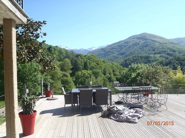House in front mountains - Castillon-en-Couserans - Huis