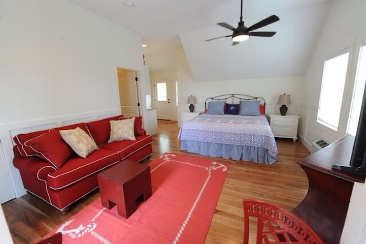 Guest House On Terrace   Suite A - Winona Lake