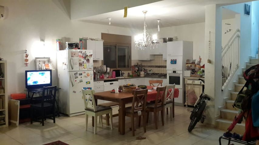 Kitchen +liveinig room - שפר