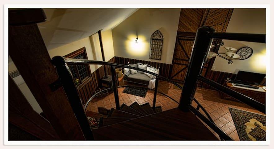 Oaktree Barn - Luxury Retreat - Bridgetown - Chalet