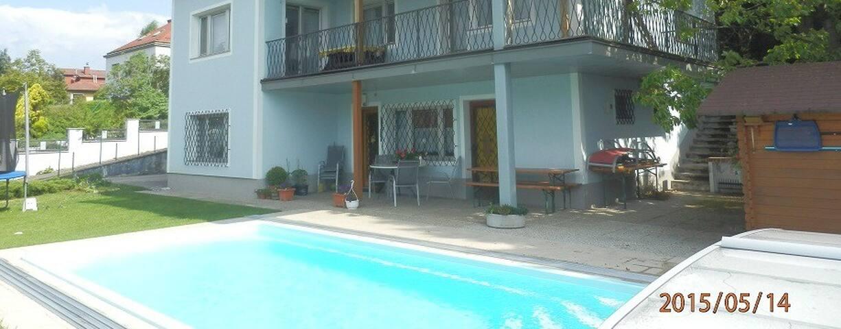 Garden Apartment w/ Pool Exit - Gablitz - Lägenhet