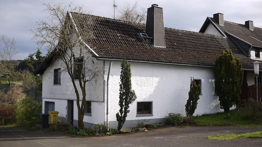 House with direct access to forest - Hellenthal - Hus