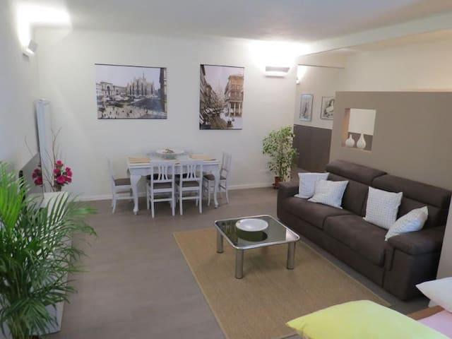 Apartment in Beautiful Villa - Milan - Villa