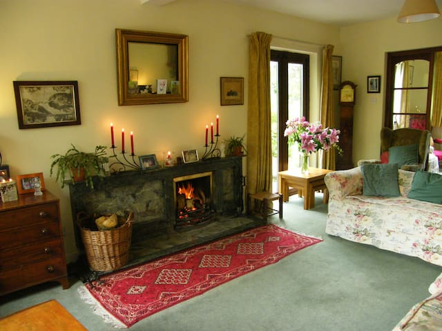 A comfy double room with gardenview -  Inch, Gorey - Bed & Breakfast