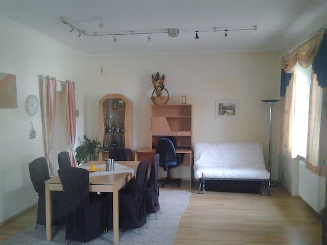 Nettes Haus mit Garten - 5-6 P. - Gumpoldskirchen - Casa