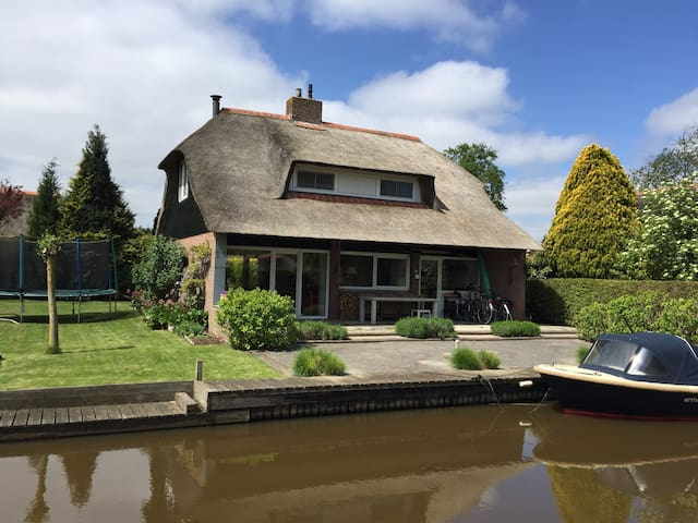 Vacation home near Giethoorn - Wanneperveen - Hytte
