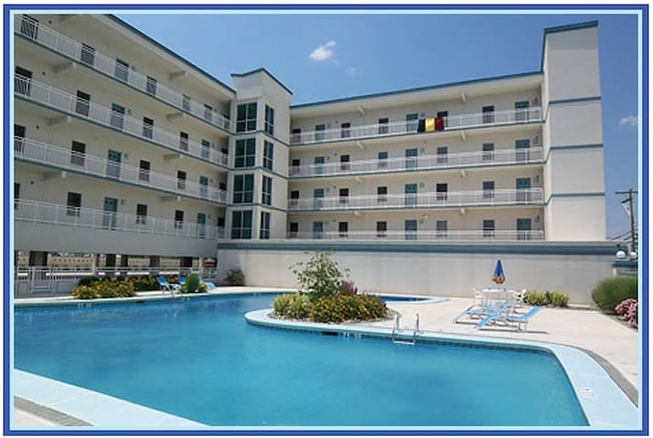 3 BDR Condo W/Heated Pool/Bay View - Wildwood