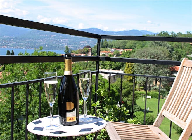 apartment with view Lago Maggiore - Laveno-Mombello