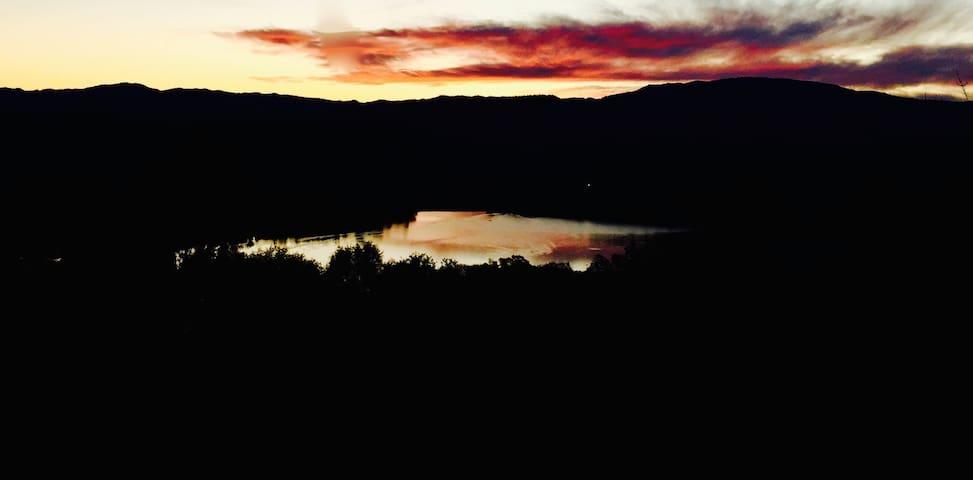 Breathtaking Lake View Studio! - Hidden Valley Lake - Apartament