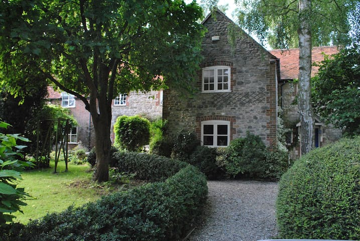 Only 12 miles from Fairford Air Tattoo - 2 rooms - Stanford in the Vale - Huis