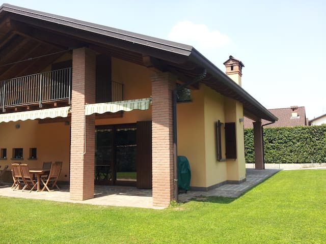 Quiet and green, near to the EXPO - Paderno - Casa