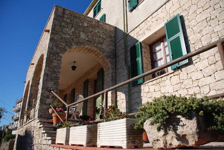 B&B Monte Cucco... sea & mountains! - Orco Feglino - Bed & Breakfast