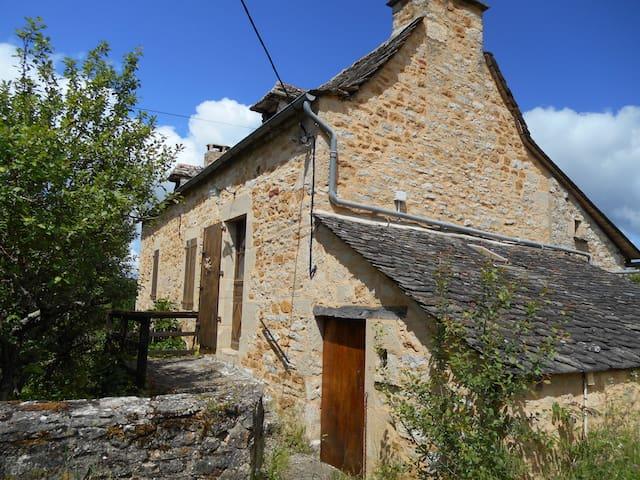 Maison de campagne  tranquille - Salles-la-Source - Hus