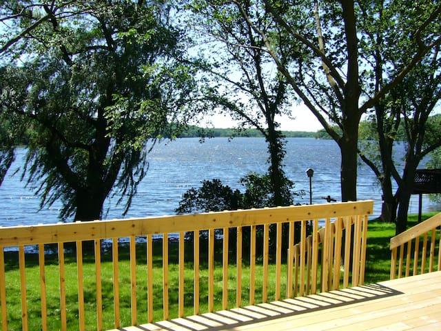 Lake House Paradise - Geneva Area Monthly Rental - Elkhorn - Ev