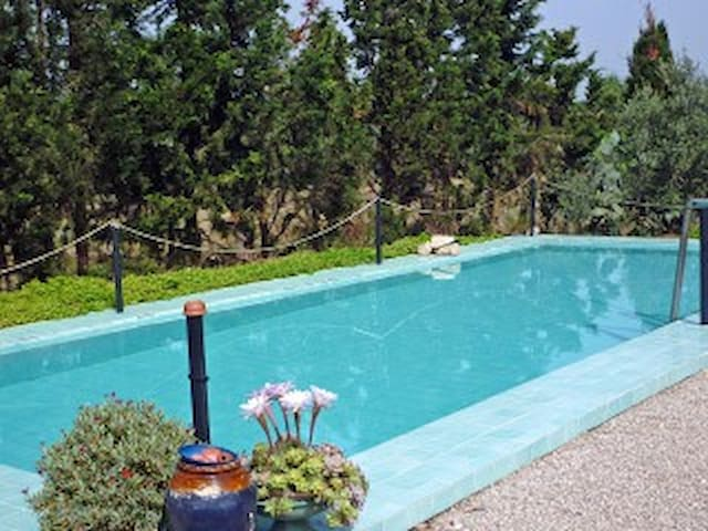 A quiet guest house with swimming pool - Nardò - Huis
