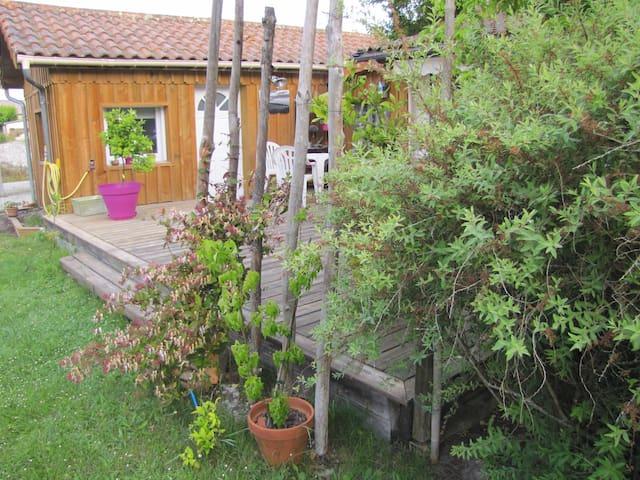 Chambre privative à lacanau ville - Lacanau - Huis