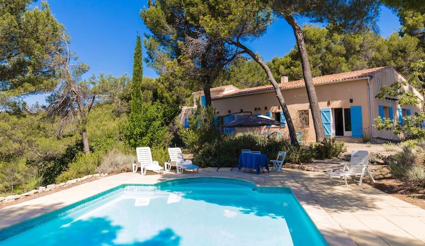 Villa pleine nature à 20km d'Aix - Rognes - Hus