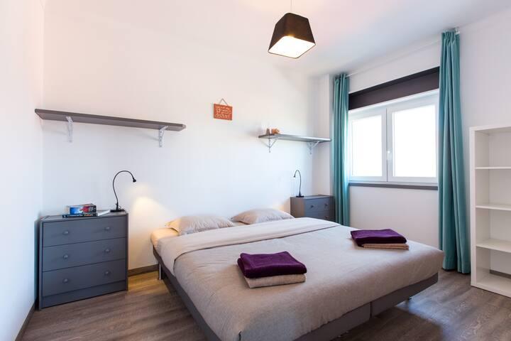 Surf-Atlantic, Large Room, Jacuzzi - Ferrel - Casa