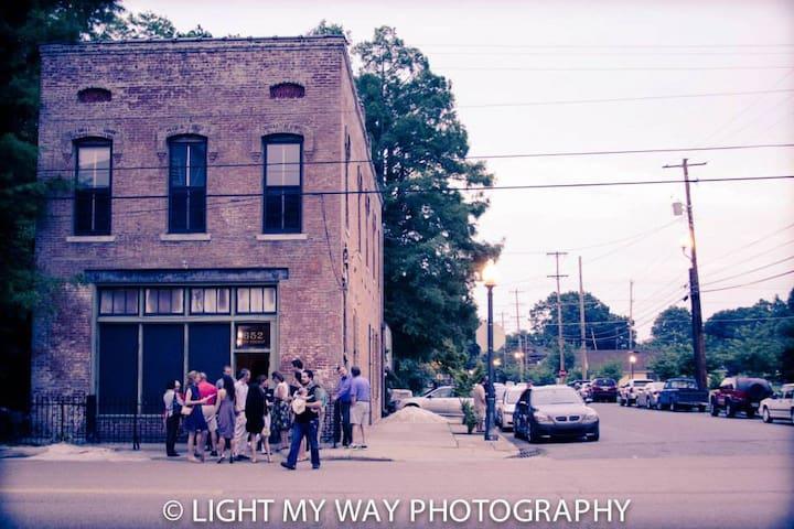 1899 Firehouse Apt near Downtown - Memphis - Autre