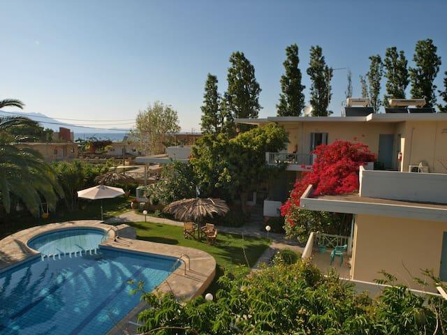 Apartments next to the beach!! - Chania - Leilighet