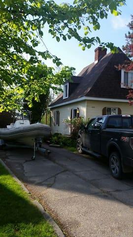 Belle petite maison style champêtre - Saguenay - Ev