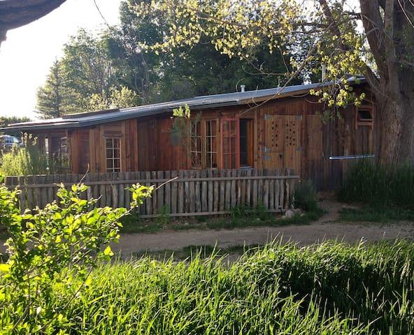 Springwild Casita - Taos - Bungalow