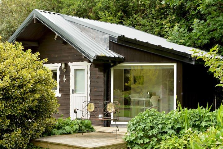 Private Log Cabin - Blackrock - Pondok